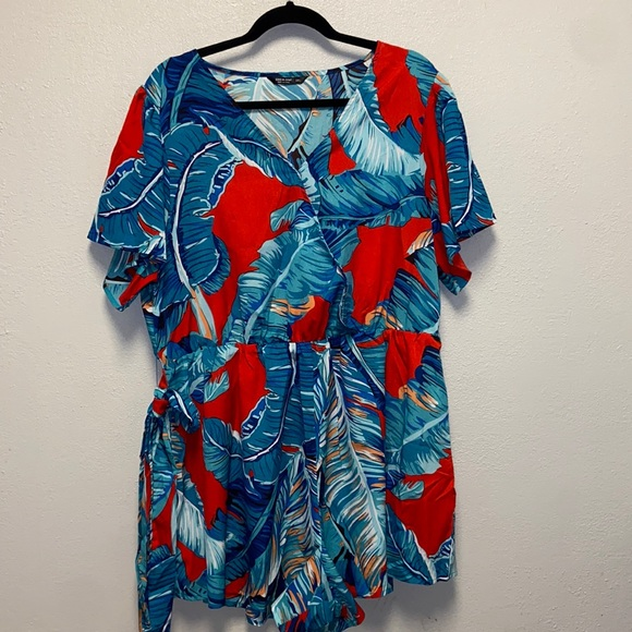 SHEIN Plus Size 3X Belt Tropical Romper: 4136